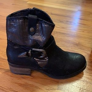 Dolce by Mojo Moxy ankle boots